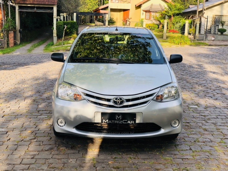 etios 1.3 x 16v flex 4p manual 2013 canela