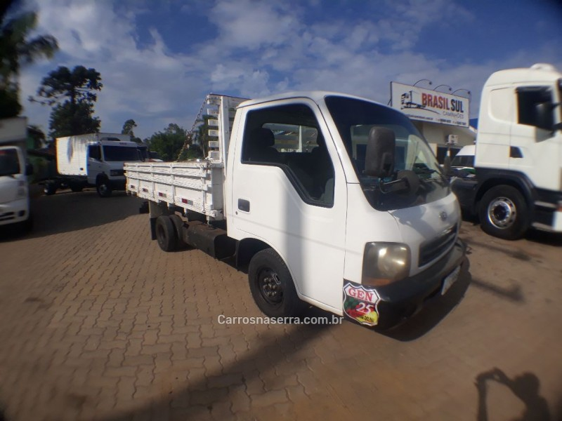 bongo 2.5 k 2500 4x2 cs turbo diesel 2p manual 2003 portao