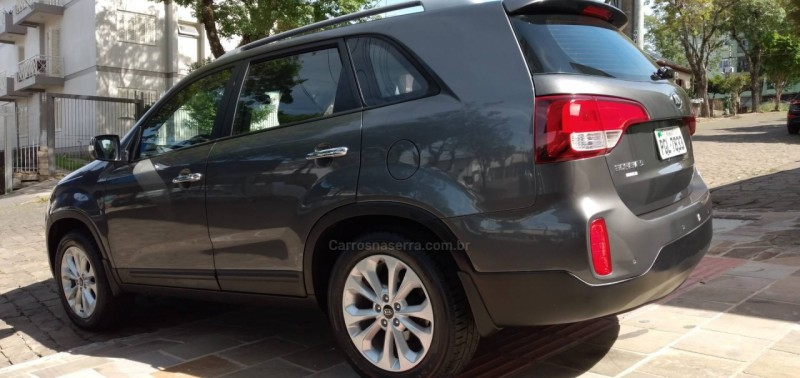 SORENTO 2.4 EX2 4X2 16V GASOLINA 4P AUTOMÁTICO - 2014 - NOVA PRATA