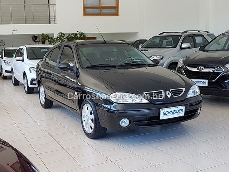 megane 2.0 privilege sedan 16v gasolina 4p manual 2005 nova petropolis
