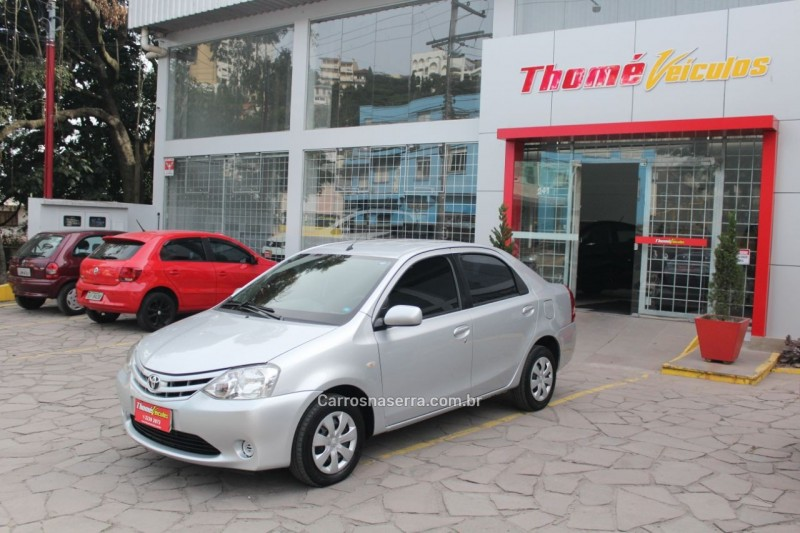etios 1.5 xs sedan 16v flex 4p manual 2013 caxias do sul