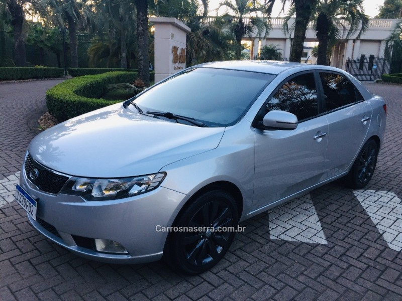 cerato 1.6 sx3 16v gasolina 4p manual 2012 caxias do sul