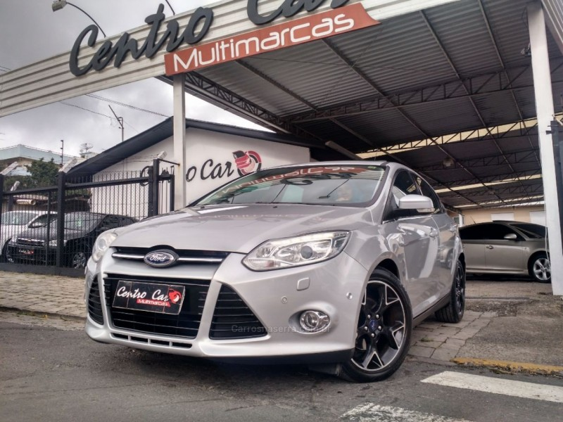 focus 2.0 titanium plus fastback 16v flex 4p powershift 2014 caxias do sul