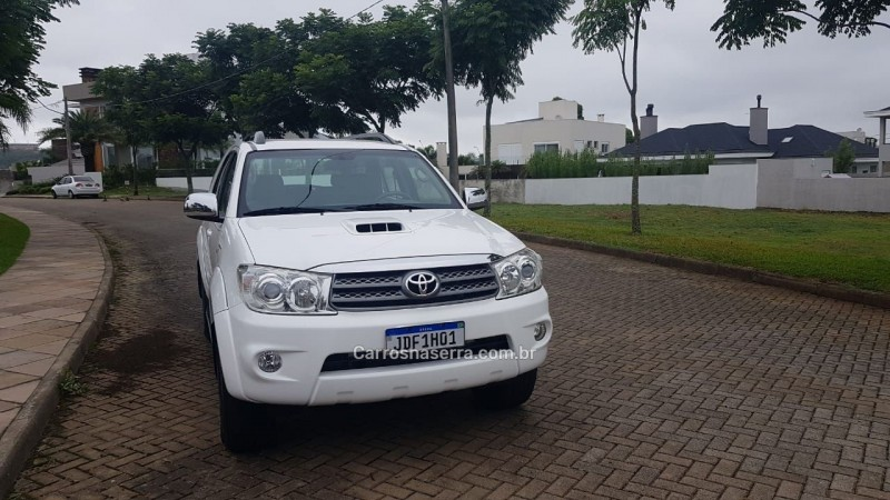 hilux sw4 3.0 srv 4x4 7 lugares 16v turbo intercooler diesel 4p automatico 2011 bento goncalves