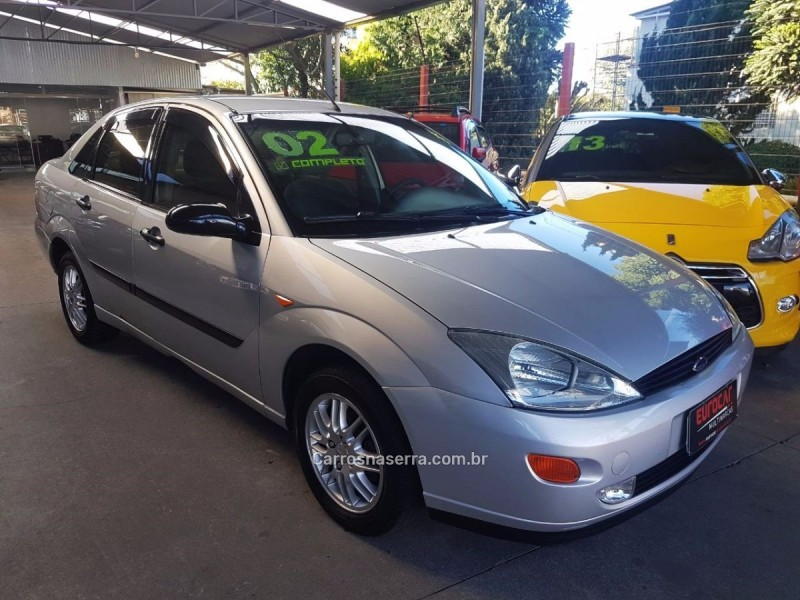 focus 2.0 glx sedan 16v flex 4p manual 2002 caxias do sul