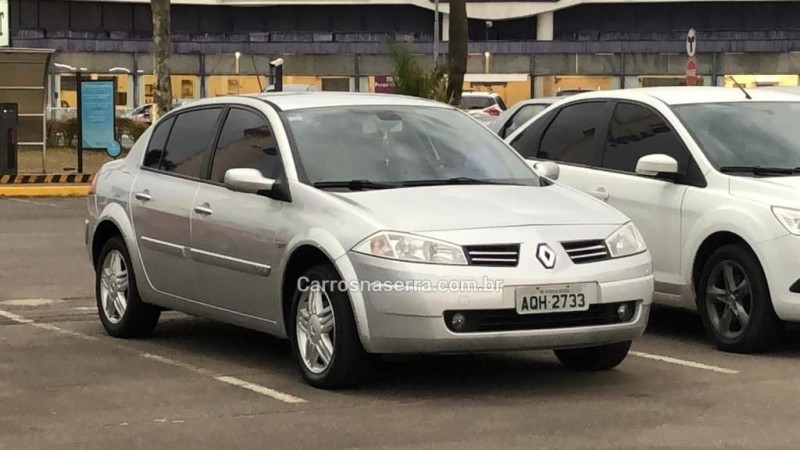 megane 2.0 dynamique sedan 16v gasolina 4p automatico 2010 caxias do sul