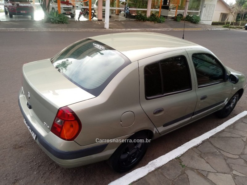 clio 1.0 rn sedan 16v gasolina 4p manual 2004 sao pedro da serra