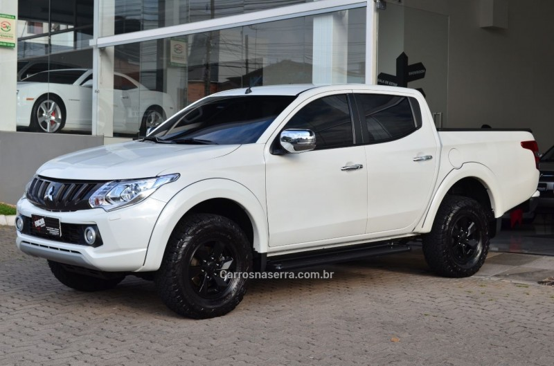 l200 triton 2.4 16v turbo diesel sport hpe top cd 4p 4x4 automatico 2017 caxias do sul