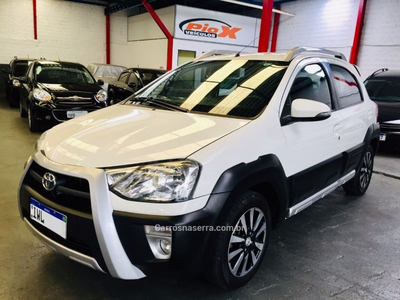 etios cross 1.5 16v flex 4p manual 2015 caxias do sul
