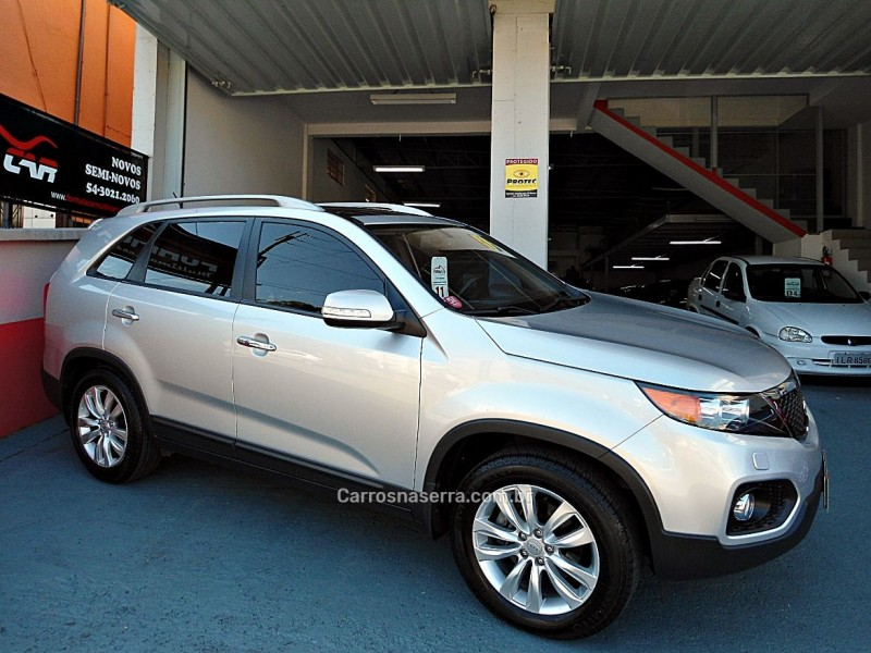 sorento 3.5 s.555 v6 4x2 24v gasolina 4p automatico 2011 caxias do sul