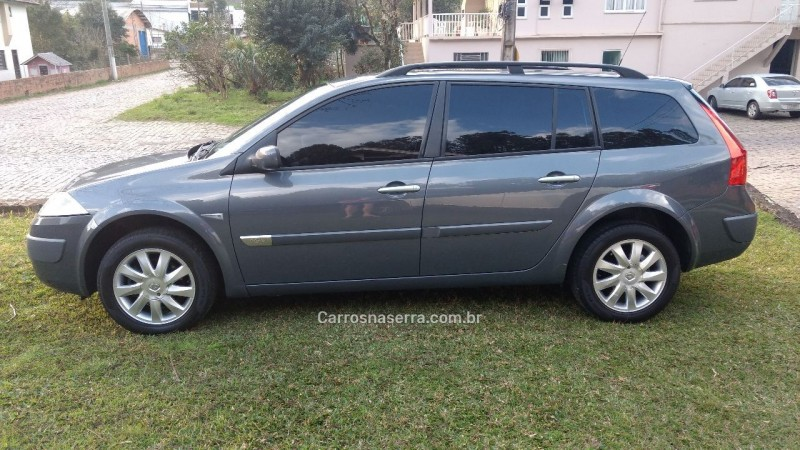megane 1.6 dynamique grand tour 16v flex 4p manual 2010 caxias do sul
