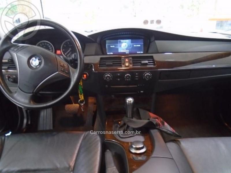 550I 5.0 SEDAN V8 32V GASOLINA 4P AUTOMÁTICO - 2006 - NOVA PRATA