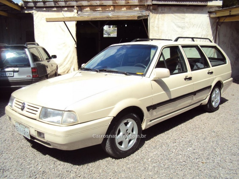 QUANTUM 2.0 MI EXCLUSIV 8V GASOLINA 4P MANUAL - 1996 - CAXIAS DO SUL