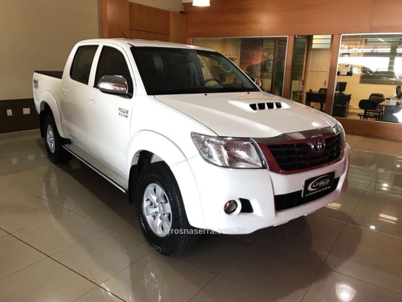 CAMIONETES HILUX-3.0-SRV-4X4-CD-16V-TURBO-DIESEL-4P-MANUAL 2014