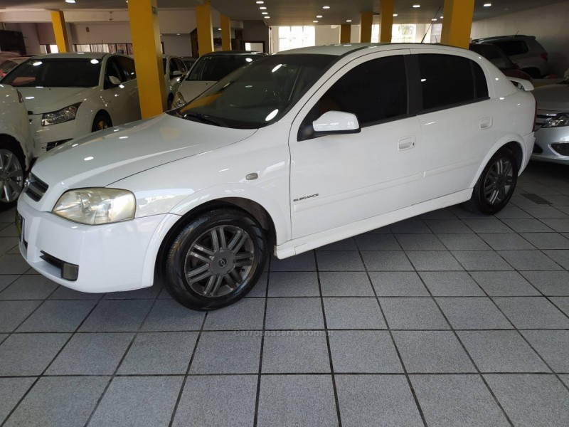 astra 2.0 mpfi elegance 8v flex 4p manual 2005 caxias do sul