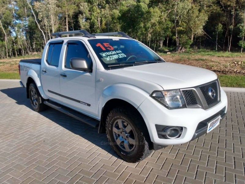 FRONTIER 2.5 SV ATTACK 4X4 CD TURBO ELETRONIC DIESEL 4P MANUAL - 2015 - CANELA