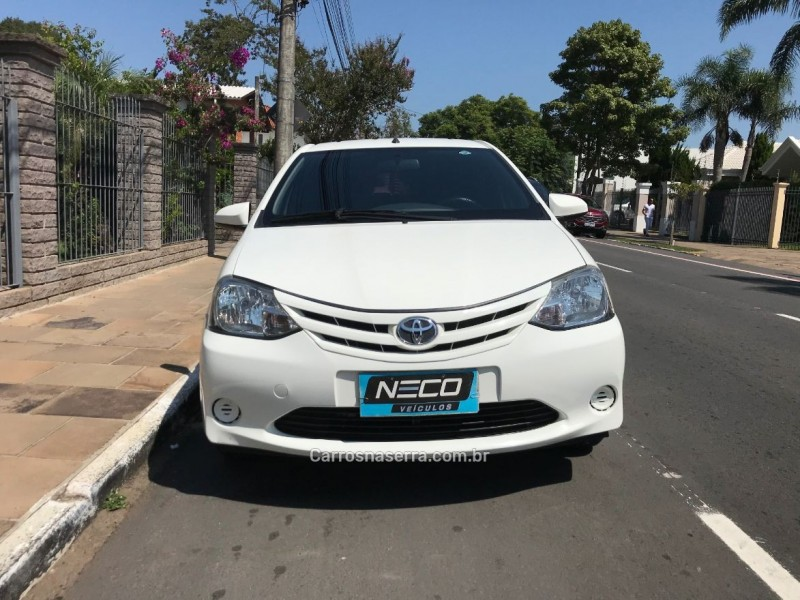 etios 1.5 xs sedan 16v flex 4p manual 2015 bento goncalves
