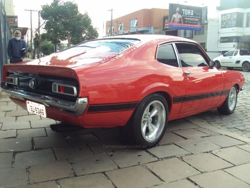 MAVERICK SUPER LUXO SEDAN 6 CILINDROS 12V GASOLINA 4P MANUAL - 1975 - CAXIAS DO SUL