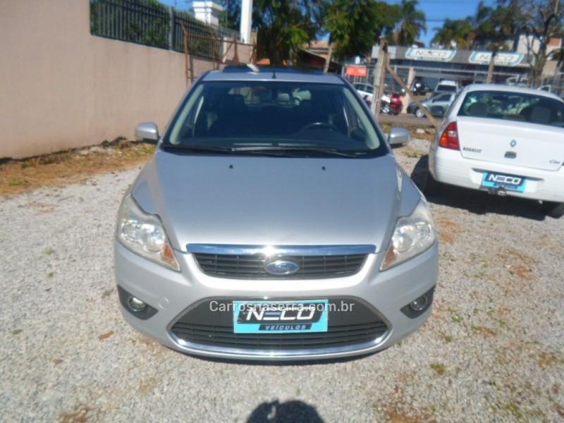 focus 2.0 ghia 16v gasolina 4p automatico 2009 bento goncalves
