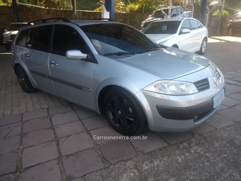 MÉGANE 2.0 DYNAMIQUE GRAND TOUR 16V GASOLINA 4P MANUAL - 2008 - BENTO GONçALVES