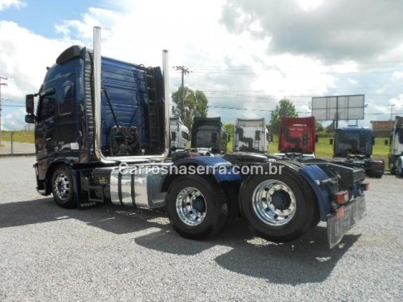 FH 440 GLOBETROTTER 6X2 - 2011 - GARIBALDI