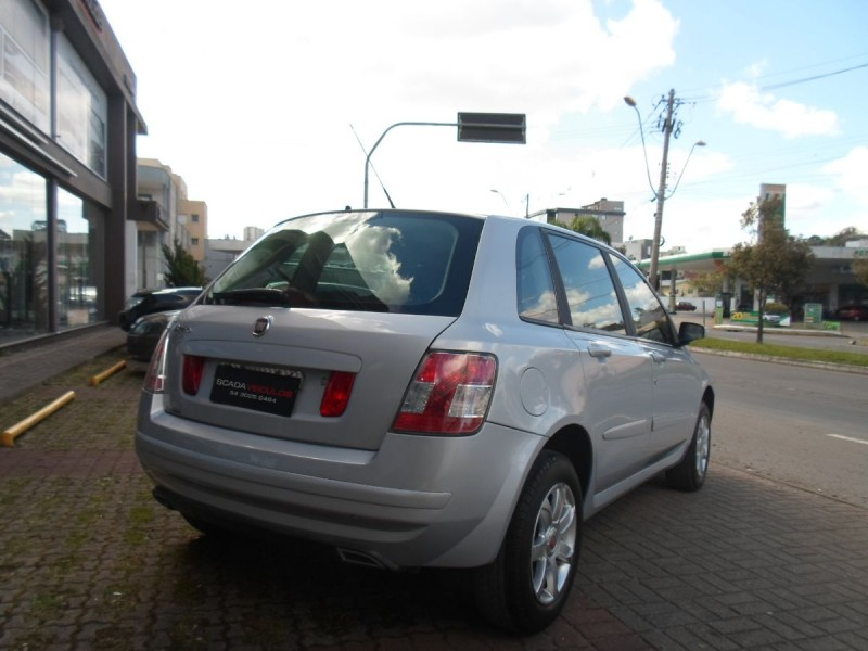 stilo 1.8 mpi attractive 8v flex 4p manual 2011 caxias do sul