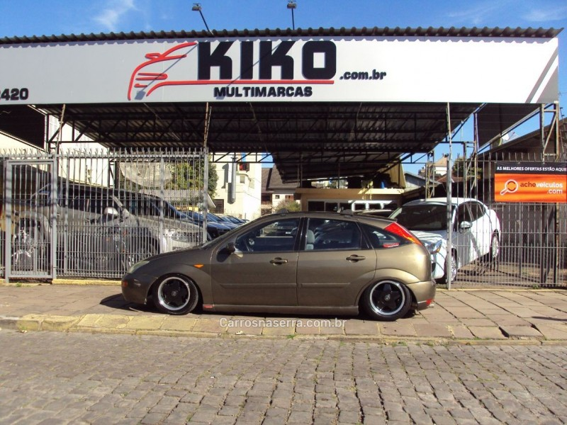focus 1.8 16v gasolina 4p manual 2001 caxias do sul