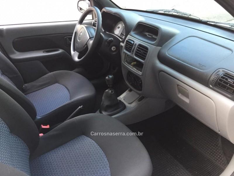 CLIO 1.0 EXPRESSION SEDAN 16V FLEX 4P MANUAL - 2009 - CAXIAS DO SUL