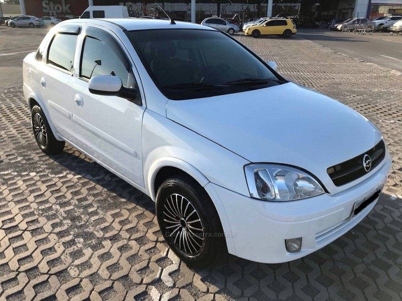 corsa 1.8 mpfi sedan 8v flex 4p manual 2005 caxias do sul