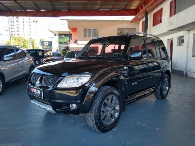 pajero tr4 2.0 4x4 16v 140cv flex 4p manual 2010 caxias do sul