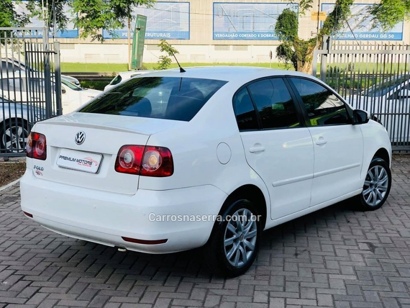 POLO SEDAN 1.6 MI 8V FLEX 4P MANUAL - 2013 - ESTâNCIA VELHA