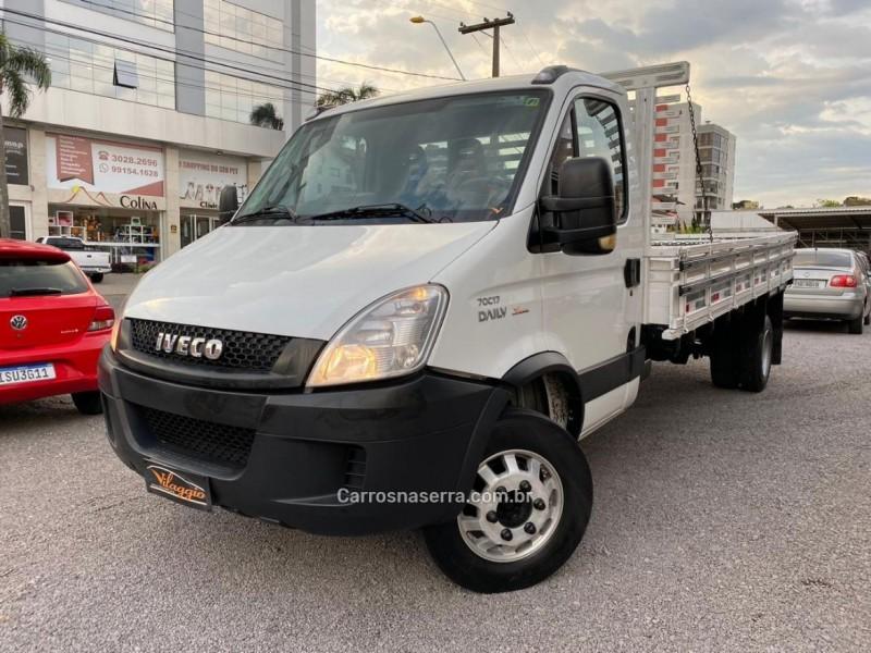 daily truck 70c17 2013 caxias do sul