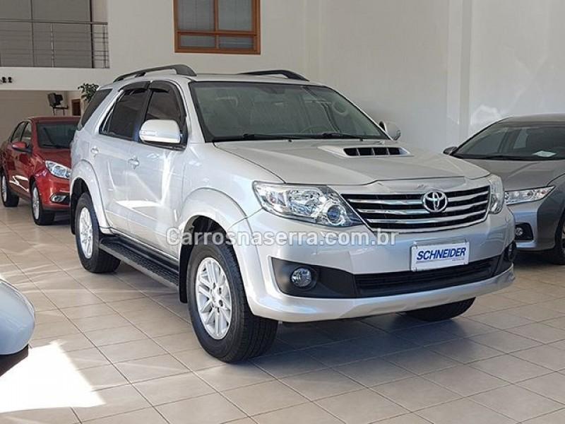 hilux sw4 3.0 srv 4x4 7 lugares 16v turbo intercooler diesel 4p automatico 2013 nova petropolis