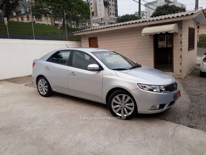 cerato 1.6 sx3 16v gasolina 4p manual 2013 carlos barbosa