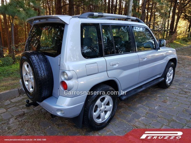 PAJERO TR4 2.0 4X4 16V 131CV GASOLINA 4P MANUAL - 2009 - NOVA PRATA