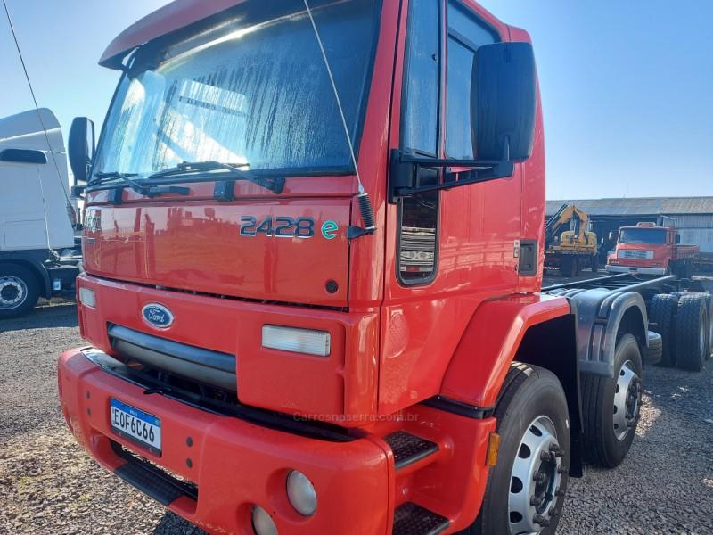 cargo 2428 4 eixos 2011 garibaldi
