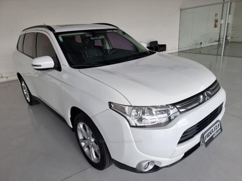outlander 2.0 16v gasolina 4p automatico 2014 farroupilha