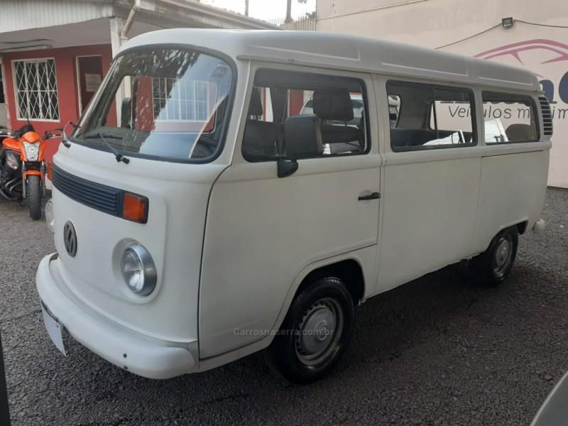 kombi 1.6 std 8v gasolina 3p manual 2003 caxias do sul
