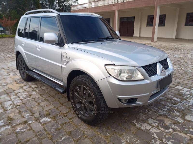 pajero tr4 2.0 4x4 16v 131cv gasolina 4p manual 2010 caxias do sul