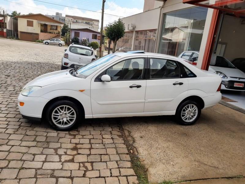 focus 2.0 ghia sedan 16v gasolina 4p manual 2002 guapore